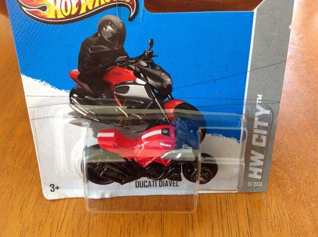 File:Ducati Diavel.jpg