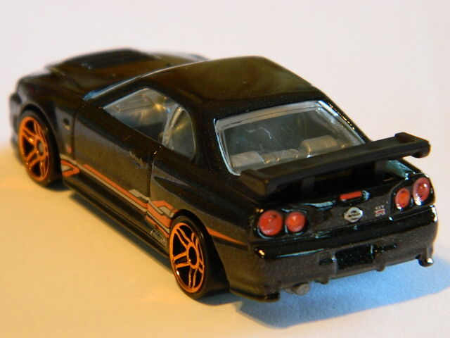File:R34 Skyline - Rear 3/4.JPG