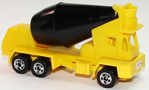 File:Oshkosh Cement Mixer YelBW.JPG