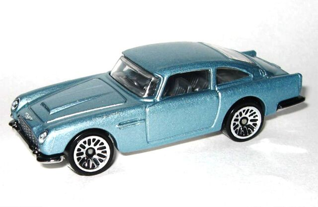 File:HW-2015-245-Aston Martin 1963 DB5-ThenAndNow..jpg