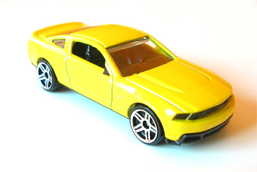 File:2009 041 Ford Mustang GT yellow1.jpg