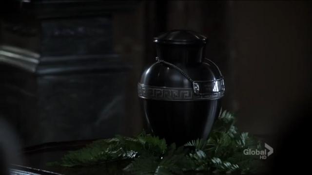 File:Oliver's Urn.PNG