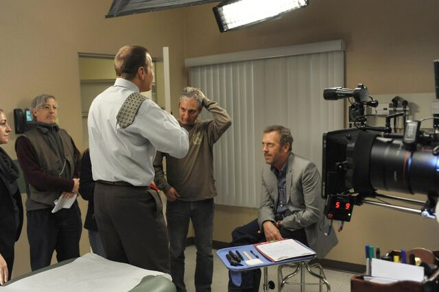 File:House-M-D-Swan-Song-Retro-Special-Everybody-Dies-05-21-12-BTS-Pictures-house-md-30759083-1950-1298.jpg