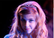Jemma-mckenzie-brown-high-school-musical-3-tiara-3