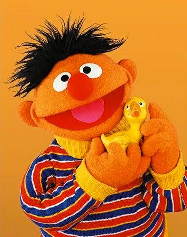 File:Ernie-RubberDuckie.jpg