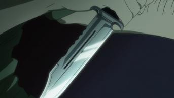 A Hitman holding a Benz Knife