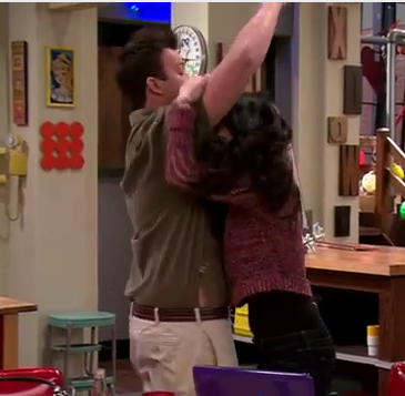 File:ICarly-iPear-Store-Episode-4.png