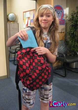 File:Sam takes envelopes.jpg