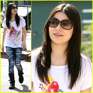 File:Miranda-cosgrove-torn-up.jpg