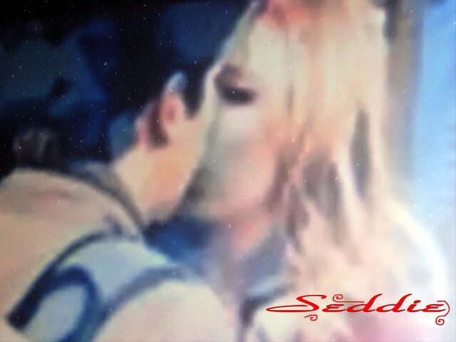 File:Kiss (1).jpg
