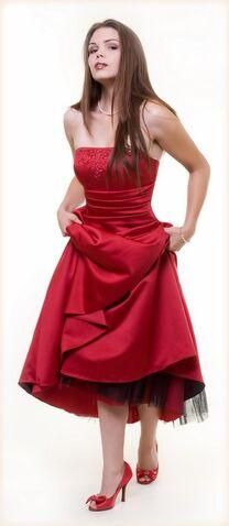 File:Hot-red-prom-dress.jpg