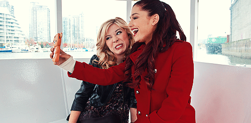 File:Tumblr jennette and ari.png