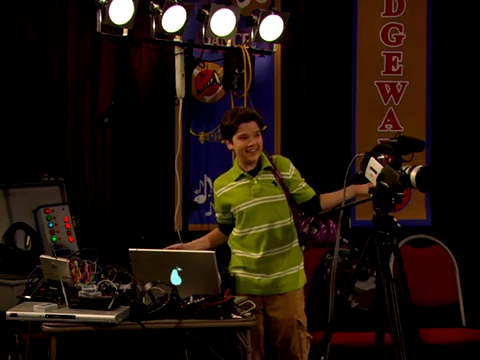 File:ICarly.S01E01.iPilot.HR.DVDRiP.XviD-LaR.avi 000409041.jpg
