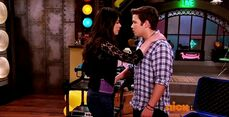 ICarly.S07E07.iGoodbye.480p.HDTV.x264 -Finale Episode-.mp4 002357686-035