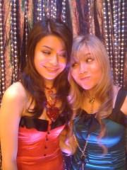 File:180px-Carly & Sam(iCarly Awards).jpg
