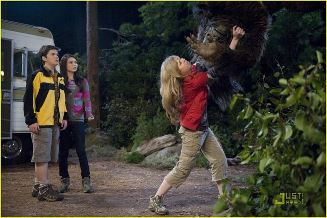 File:IBelieve-in-Bigfoot-icarly-18433748-1222-815.jpg