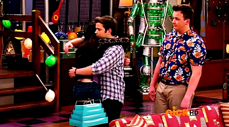 File:ICarly.S07E07.iGoodbye.480p.HDTV.x264 -Finale Episode-.mp4 002400854-004.jpg