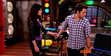 ICarly.S07E07.iGoodbye.480p.HDTV.x264 -Finale Episode-.mp4 002352973-026