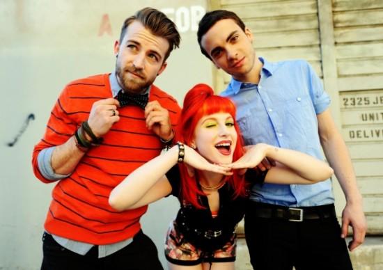 File:Paramore-2011-trio.jpg