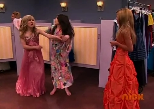File:Icarly s03e10 xvid-watbath187.jpg