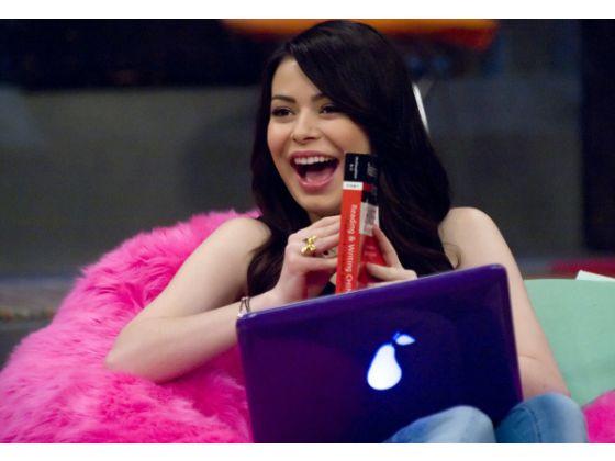 File:Carly in studio.jpg