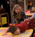 Seddie pin down iKiss.png