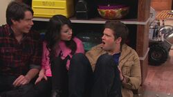 ICarly.S06E03.iOpen.A.Restaurant.720p.WEB-DL.AAC2.0.H.264-CtrlHD-10-49-22-