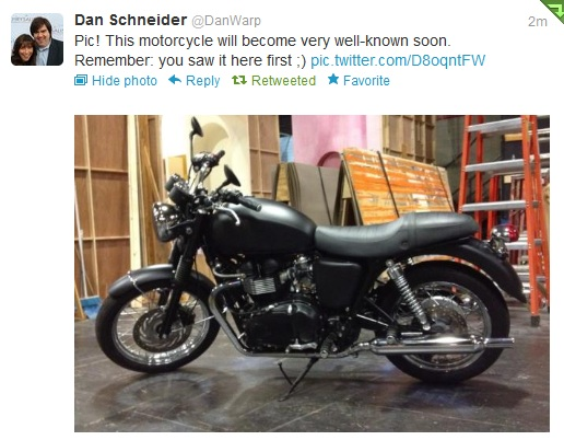 File:Dan's tweet of the motorcycle.jpg