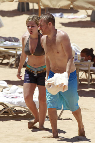 File:Jennette McCurdy Hawaiian Vacation 28129.jpg