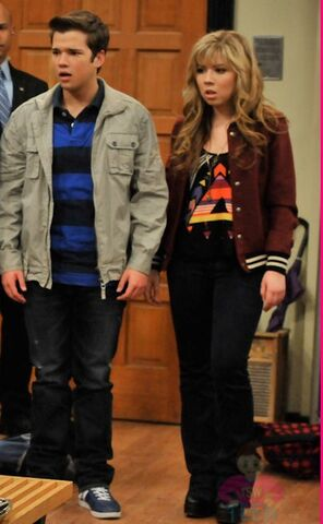 File:Michelle-Obama-In-iCarly-FIRST-LOOKseddie.jpg