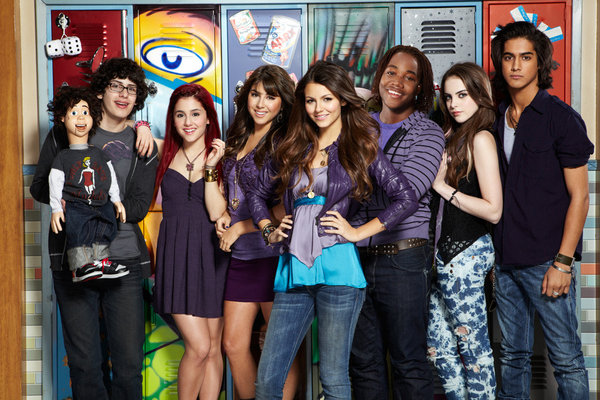 File:Nickelodeon-Victorious-cast.jpg
