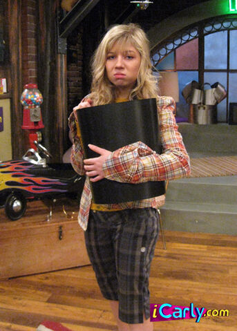 File:I-reunite-with-missy-icarly-6793053-375-524.jpg