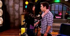 ICarly.S07E07.iGoodbye.480p.HDTV.x264 -Finale Episode-.mp4 002357311-034