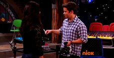 ICarly.S07E07.iGoodbye.480p.HDTV.x264 -Finale Episode-.mp4 002336457-014