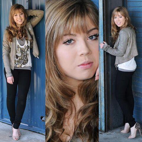 File:Jennette-mccurdy-cruzan-amphitheatre-photosho-L-KUVkwi.jpeg