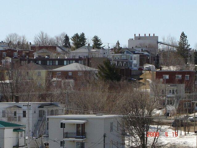 File:Asbestos, Quebec.jpg