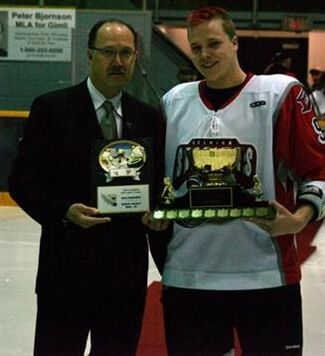 Kyle Howarth with Mike Ridley Trophy