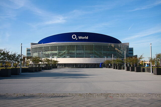 File:O2-world berlin.jpg