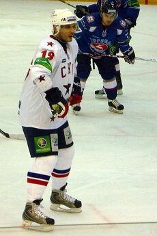 Alexei Yashin 2010-12-12 (4)