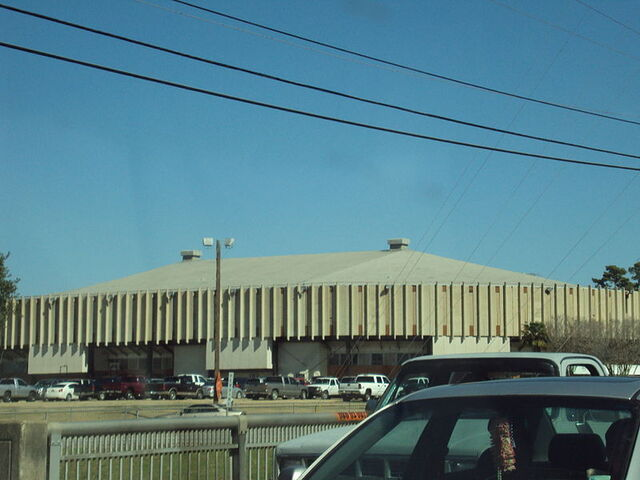 File:Blackham Coliseum.jpg
