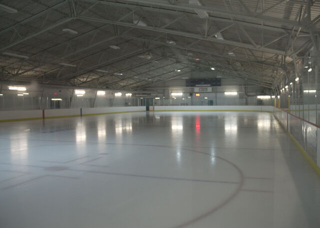 File:Jim Durrell Recreation Centre.jpg