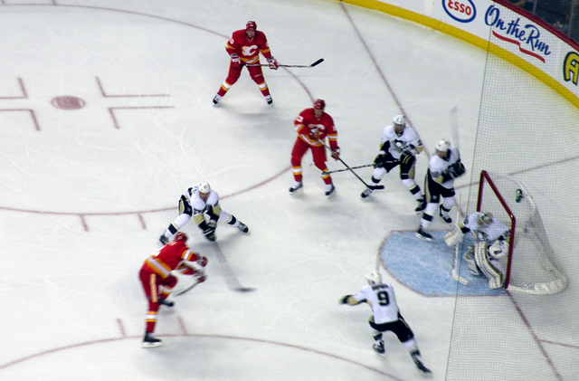 File:111008 Flames v Penguins.png