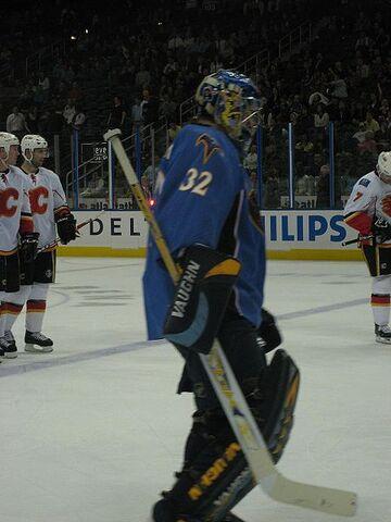 File:Kari Lehtonen against Flames.jpg