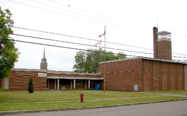 File:Iroquois, Ontario.jpg