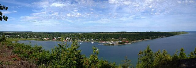 File:Gore Bay, Ontario.jpg