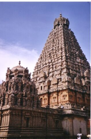 File:Thanjavur temple.jpg