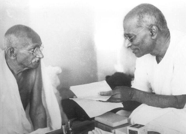 File:800px-Gandhi Rajagopalachari.jpg