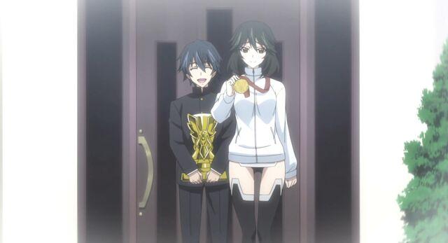 File:Ichika and Chifuyu3.jpg