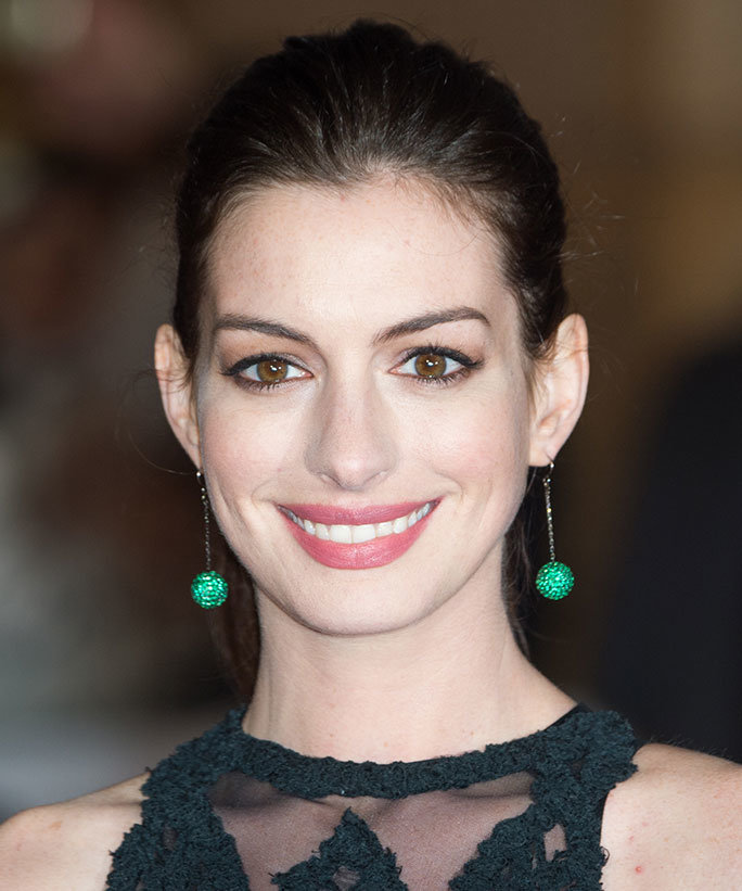Anne Hathaway College: FANDOM Powered By Wikia