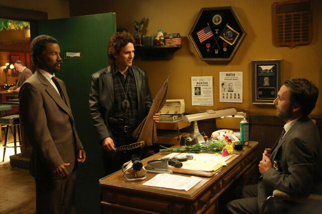 File:9x09 The Gang Makes Lethal Weapon 6 - 5.jpg